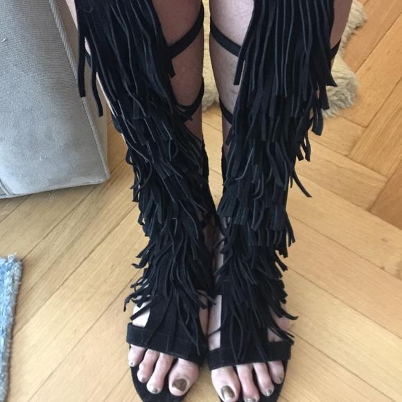 11073023b970 New Alice and Olivia Fringe Stud Suede Sandals